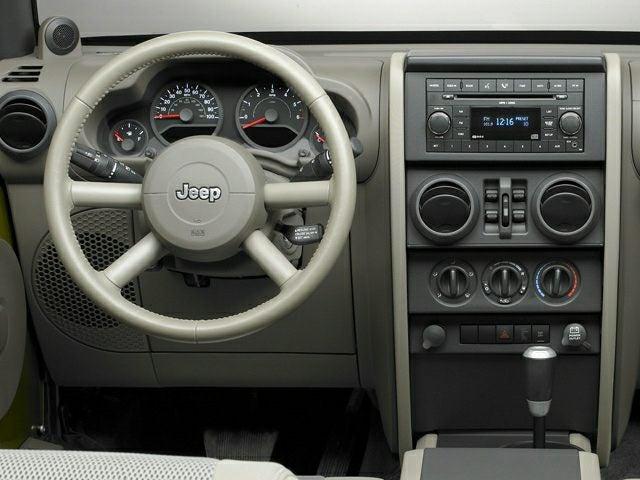 2007 jeep interior